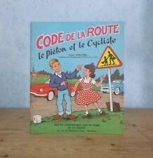 ECOLE ELEVES ENSEIGNEMENT CODE DE LA ROUTE POUR ENFANTS LE PIETON ET LE CYCLISTE