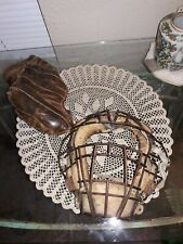 VINTAGE OLD CATCHER'S MASK & CATCHER'S MITT, SPALDING & UNKNOWN FOR MASK