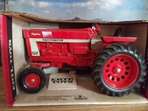International 966 Tractor NIB