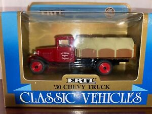 Ertl 1930 Chevy Barrel Truck and Coin Bank Classic Vehicles series Mint #2861