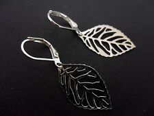 A PAIR OF CUTE LITTLE SILVER COLOUR  LEAF DANGLY LEVERBACK HOOK EARRINGS. NEW.