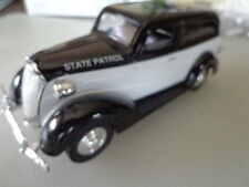 SPECCAST 1937 CHEVY SEDAN DELIVERY STATE PATROL LIMITED EDITION 1/25 DIE CAST