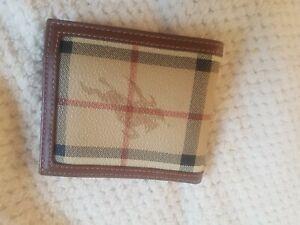 Burberry Authentic vintage beige nova check mens Wallet has brown leather trim
