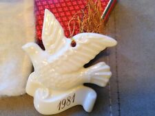 Vintage 1981 Avon Christmas Remembrance Ceramic Dove Ornament