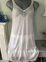 "Vtg St Michael 14 36"" Petticoat Silky Soft Nylon Lacy Details, Feminine"