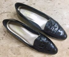 MAGDESIANS 7.5S Black Croc Embossed Patent Leather Gold Trim Slender