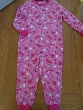 BNWT girls one piece sleepsuit. Princess symbols; crown, heart, flower. 3-4 yrs.