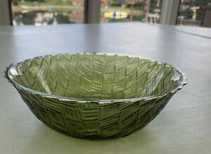 """VINTAGE Green Depression Glass 9"""" GLASS BOWL  Woven Basket Weave Dip or Fruit"""