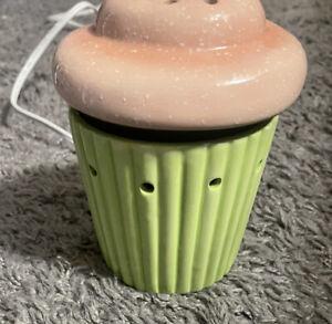 SCENTSY Pink Cupcake Mid-Size Fragrance Wax Warmer Night Light Tart Burner