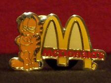 McDonald's Garfield w/ Golden Arches Vintage 1980's Crew Award Pinback