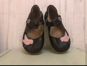 Livie & Luca Brown Leather Bird Shoes 10