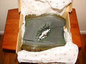 Dr. Martens Combs Adult Unisex Airwair Boots M 10 W 11 - Olive - NEW