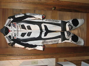 AGV Motorcycle leather racing one piece suit 46 US (L) Moto America