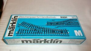 HO Scale Märklin #5221 Pair of Manual Left & Right Hand Switches, Blue Box