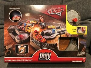 DISNEY CARS MINI Racers | Crank & Crash Derby Playset w/ Dirt McQueen - NEW