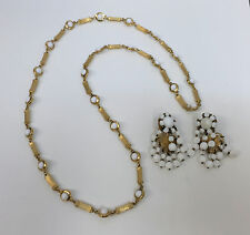VINTAGE HASKELL EARRINGS NECKLACE SET WHITE AND GOLD METAL DANGLING