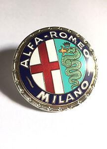 Alfa Romeo Emblem Milano geschraubt