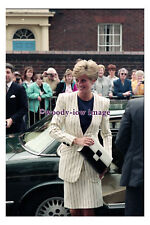 rs0433 - Princess Diana visit to Jessops Hospital , Sheffield 1991 - photograph