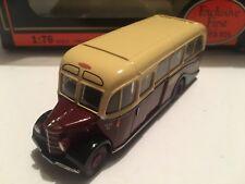 1/76 EFE 20119 – Bedford OB Duple Vista Coach