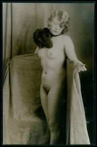 German Austrian French full nude woman with fur original 1920s photo postcard
