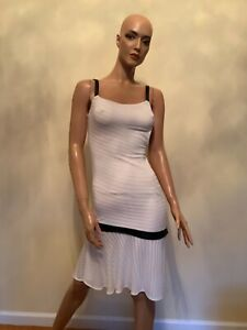 100% AUTHENTIC GIANNI VERSACE SLEEVELESS DRESS, SIZE 38 (XS), MADE IN ITALY