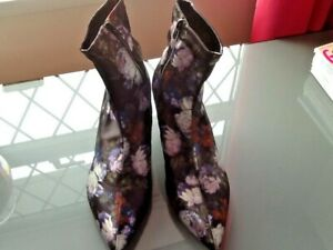 Ladies Ankle Boots size 8 BN M&S RRP £35.00