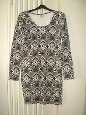 Ladies Dress Size 10 'H&M'  Black/White Long Sleeves Boat Neck Straight Fit