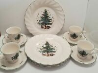 Nikko Japan 12pc Happy Holidays Dinnerware Set Boxed  Plates Saucers Cups Xmas