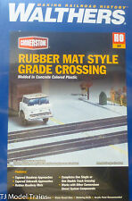 Walthers HO #933-3137 Rubber Mat Style Grade Crossing (Kit Plastic)