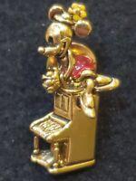 Disney pin 100% authentic 24438Napier  Mickey Playing Piano with Minnie aj62