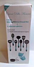 7 Kitchen Utensil Set And 2 Heat Resistant Silicone Gloves