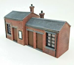 LINESIDE SMALL HUT OFFICE WORKSHOP  OO GAUGE WORKS WITH HORNBY & BACHMAN