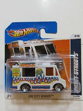 HOT WHEELS 2011 SWEET STREEATS - ICE CREAM TRUCK HW CITY WORKS SHORT CARD W+