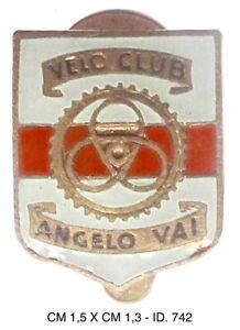 """Velo Club Angelo Vai distintivo ciclismo inizi degli anni 1950 """"742"""""""