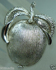 VINTAGE SARAH COVENTRY BROOCH/PIN SILVER TONE FRUIT,APPLE OR PEACH