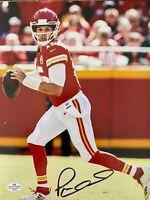 PATRICK MAHOMES autographed signed 8x10 Photo KANSAS CITY CHIEFS NFL COA
