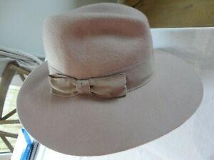 MONSOON ACCESSORIZE Mauve ladies felt fedora hat. VGC