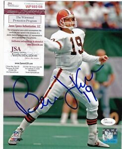BERNIE KOSAR CLEVELAND BROWNS  JSA AUTHENTICATED  ACTION SIGNED 8x10