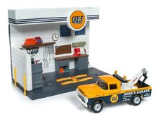 Ford F250 Tow Truck 1959+ Gulf Service Station, Johnny Lightning Model 1:64