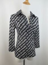 GUESS JEANS WOMENS SZ S/XS BLACK WHITE GRAY LOGO PRINT STRETCHY MESH SHIRT TOP