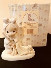 Precious Moments Figurine 521779 ln box Sweep All Your Worries Away