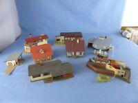 Lot de 8 maquettes maisons gare commerce pour décor train électrique échelle Ho