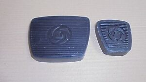 Triumph STAG ** Set of 2 PEDAL RUBBER  ** Brake and Throttle -for Automatic cars
