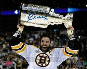 Zdeno Chara Boston Bruins Signed Autographed Holding Stanley Cup Screaming 8x10