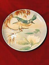 2 très beaux plats en barbotine, avec oiseau et decor en relief