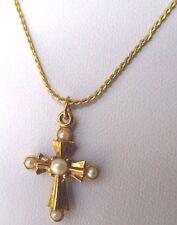 pendentif collier bijou vintage 80 croix relief perle blanche plaqué or 231