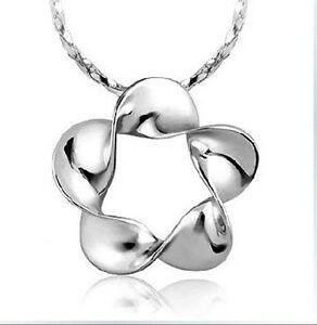 18k white gold plated flora pendant with chain N-A122