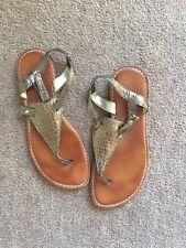 Gap Ladies Metallic Bronze Thong Style Leather Sandal US 9/EUR 40/UK 7