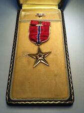 WWII US BRONZE STAR MEDAL SLOT BROOCH RIBBON BAR LAPEL PIN TITLED CASE ORIGINAL