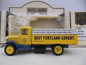 Lledo Days Gone - Portland cement - DG39003 - 1934 Mack Sack Truck